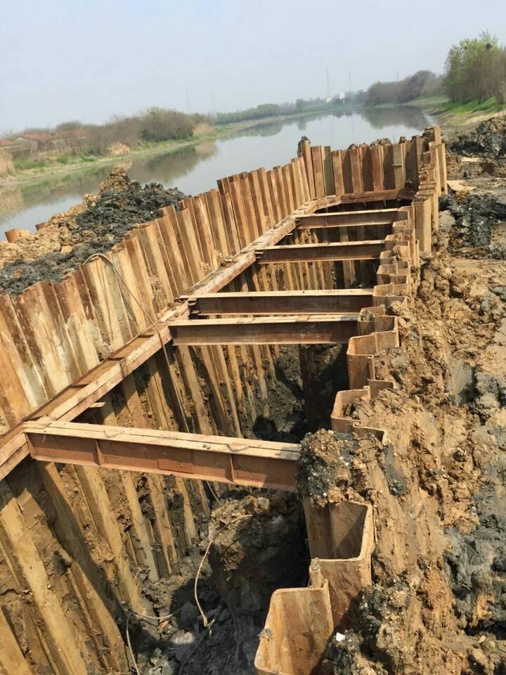 钢板桩围堰施工